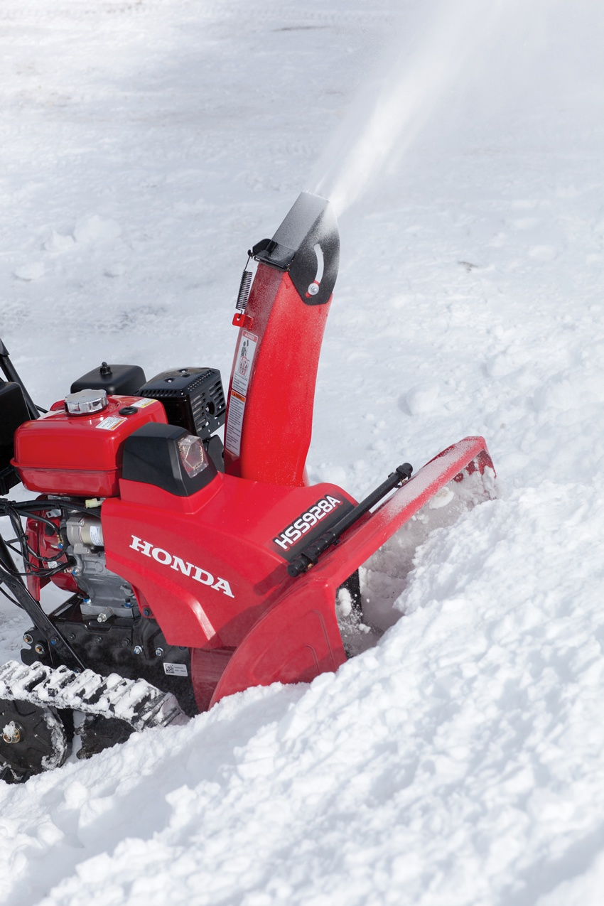 2017 Honda Power Equipment HSS928AT in Rhinelander, Wisconsin