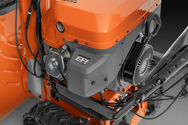 Husqvarna Power Equipment ST 424T in Berlin, New Hampshire - Photo 4