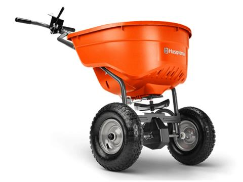 2021 Husqvarna Power Equipment 130 lb. Push Spreader in Petersburg, West Virginia