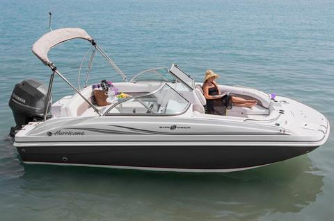2015 Hurricane SunDeck 187 OB in Bridgeport, New York