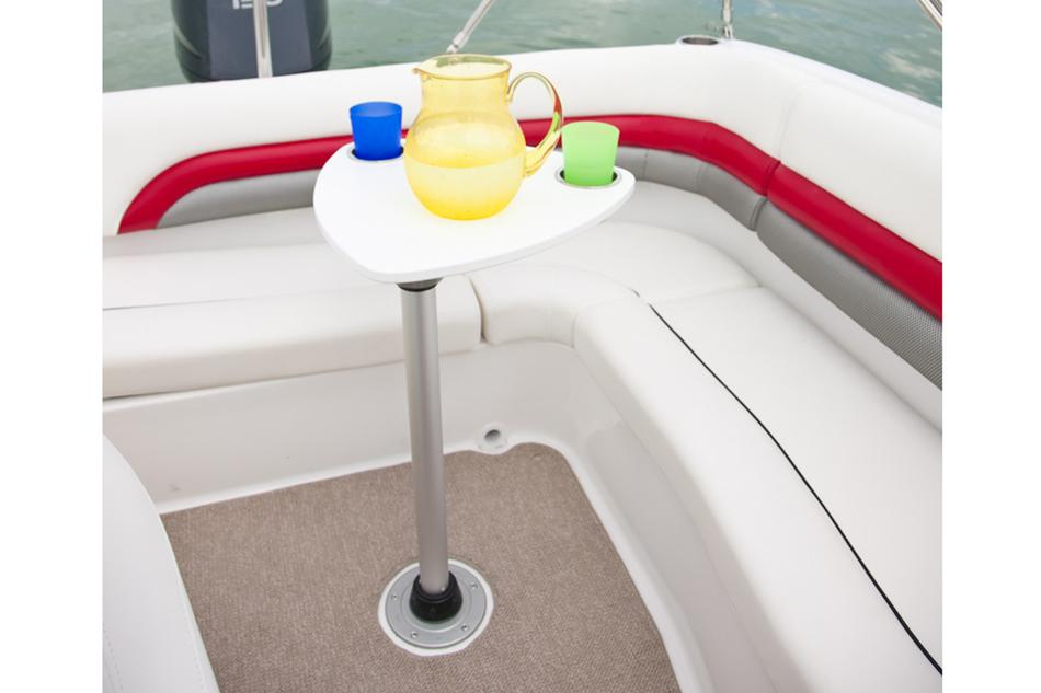 2016 Hurricane SunDeck 217 OB in Kalamazoo, Michigan