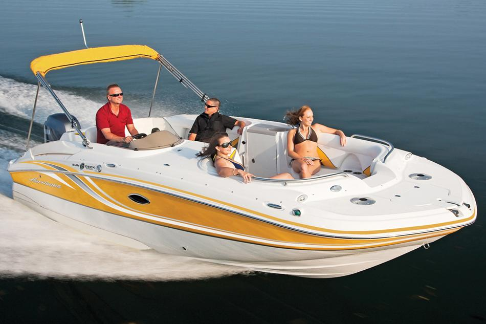 2016 Hurricane SunDeck Sport 220 OB in Kalamazoo, Michigan