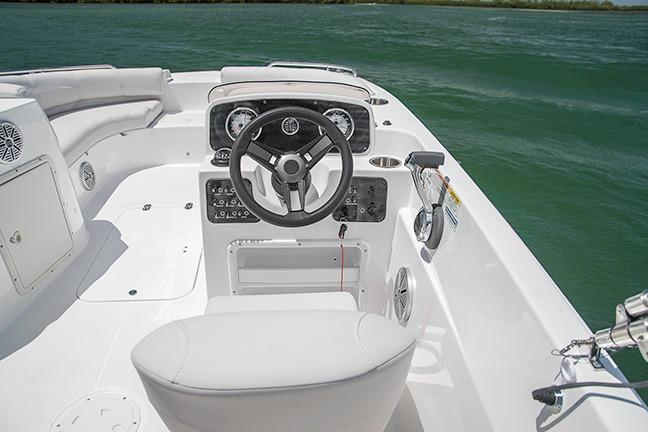 2017 Hurricane SunDeck Sport 188 IO in Lake City, Florida