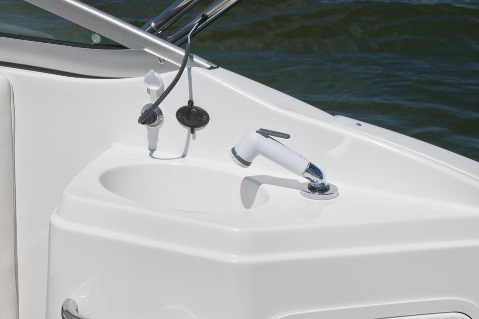 2017 Hurricane SunDeck 2200 OB in Lake City, Florida