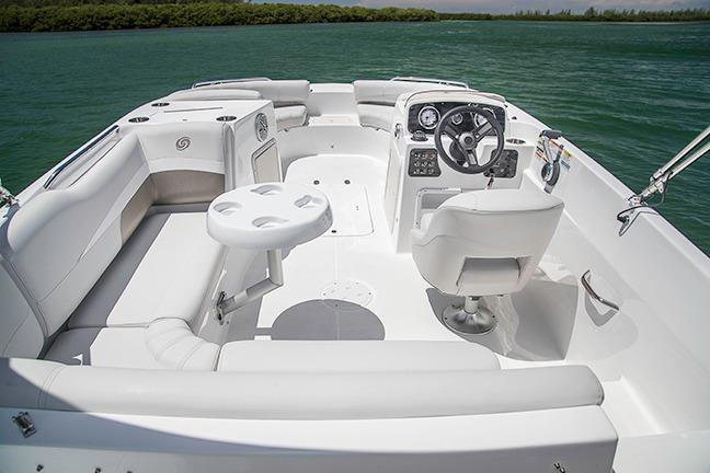 2017 Hurricane SunDeck Sport 188 OB in Lake City, Florida