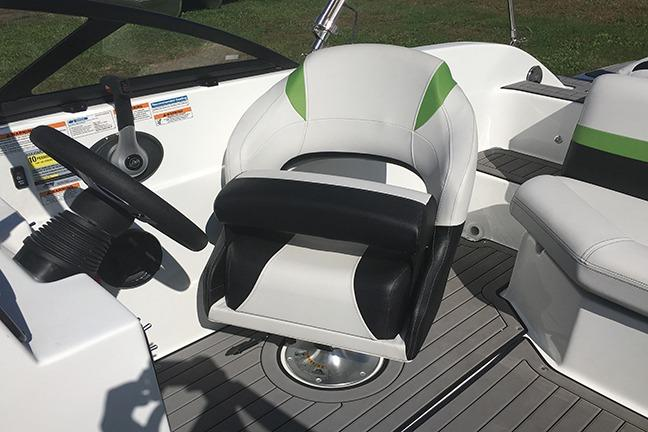 2018 Hurricane SunDeck 187 IO in Niceville, Florida