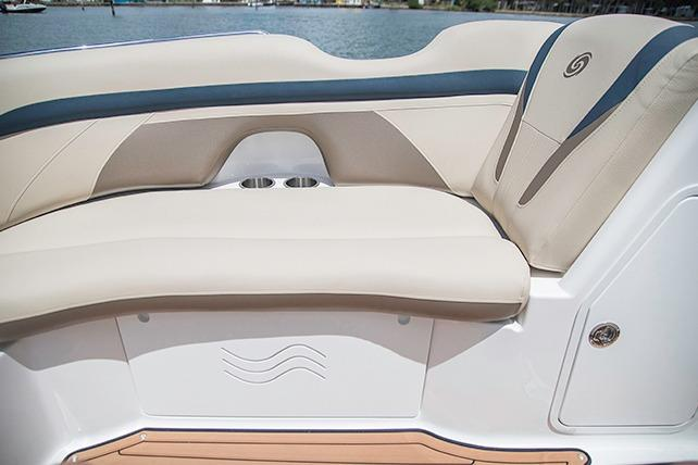 2018 Hurricane SunDeck 2200 IO in Niceville, Florida
