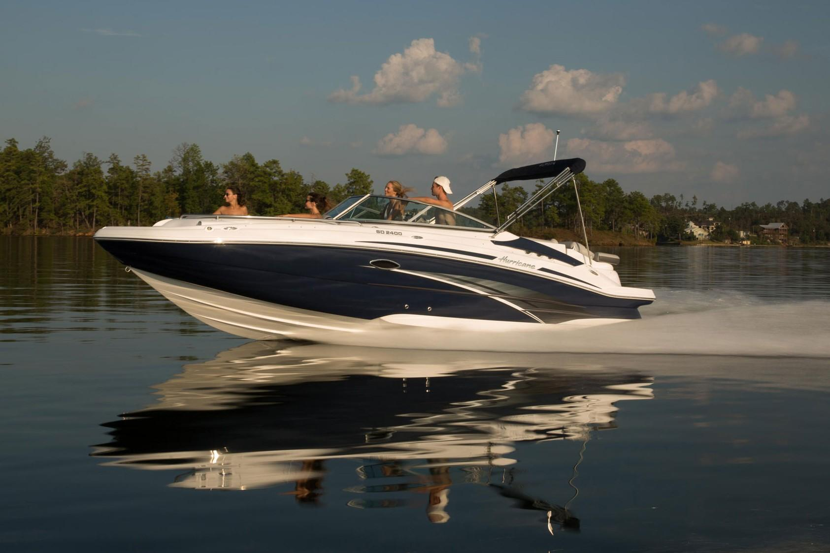 2018 Hurricane SunDeck 2400 IO in Bridgeport, New York - Photo 1
