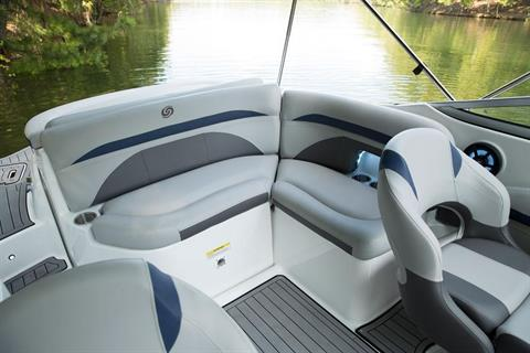 2018 Hurricane SunDeck 2400 IO in Bridgeport, New York - Photo 5
