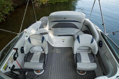 2018 Hurricane SunDeck 2400 IO in Bridgeport, New York - Photo 6
