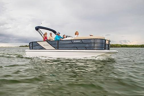 2018 Hurricane Fundeck 236 WB OB in Bridgeport, New York