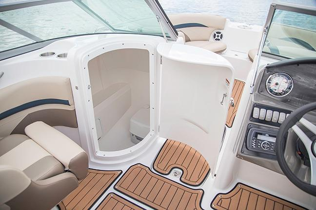 2018 Hurricane SunDeck 2200 DC OB in Bridgeport, New York - Photo 9