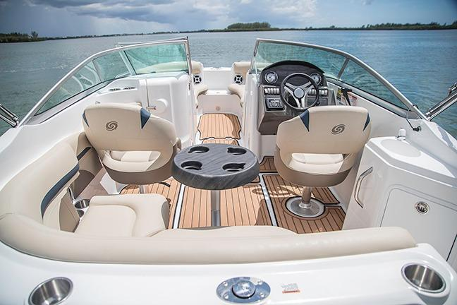 2018 Hurricane SunDeck 2200 DC OB in Bridgeport, New York - Photo 4
