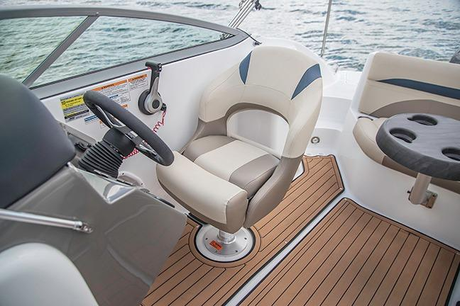 2018 Hurricane SunDeck 2200 DC OB in Bridgeport, New York - Photo 6