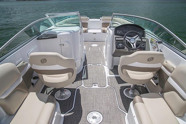 2018 Hurricane SunDeck 2486 OB in Bridgeport, New York - Photo 3