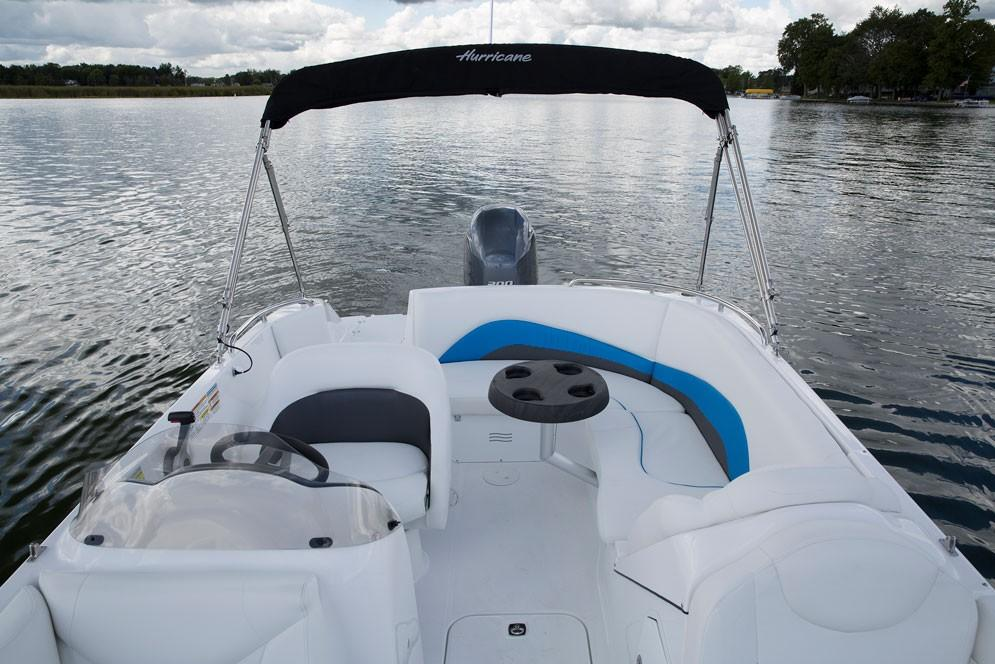 2018 Hurricane SunDeck Sport 202 OB in Lewisville, Texas - Photo 3