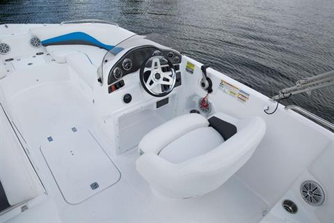 2018 Hurricane SunDeck Sport 202 OB in Lewisville, Texas - Photo 4
