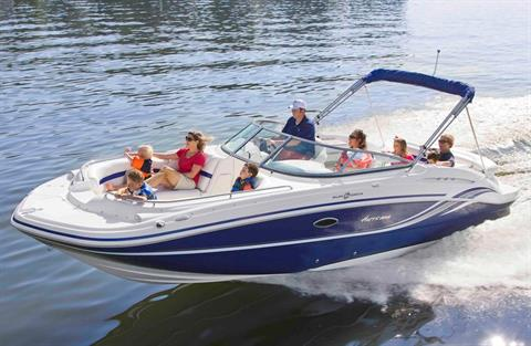 2019 Hurricane SunDeck 2600 IO in Lake City, Florida