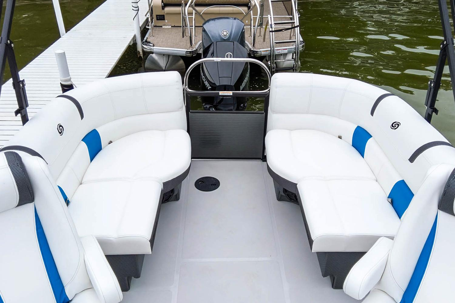 2019 Hurricane FunDeck 236SB OB in Lewisville, Texas - Photo 8