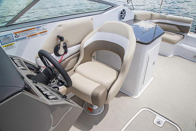 2019 Hurricane SunDeck 2690 OB in Perry, Florida - Photo 8
