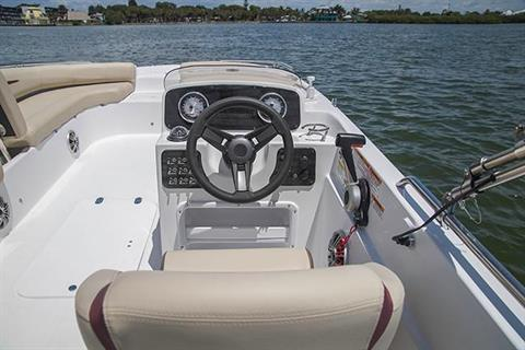 2019 Hurricane SunDeck Sport 201 OB in Lake City, Florida - Photo 4