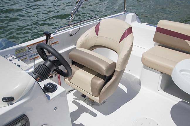 2019 Hurricane SunDeck Sport 201 OB in Lake City, Florida - Photo 5