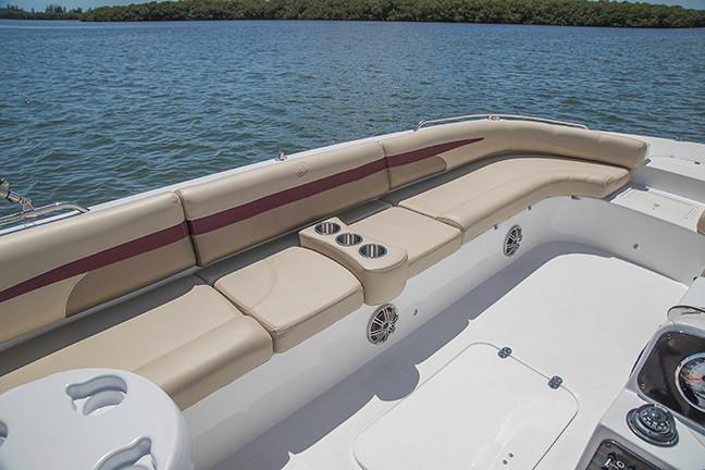 2019 Hurricane SunDeck Sport 201 OB in Lake City, Florida - Photo 8