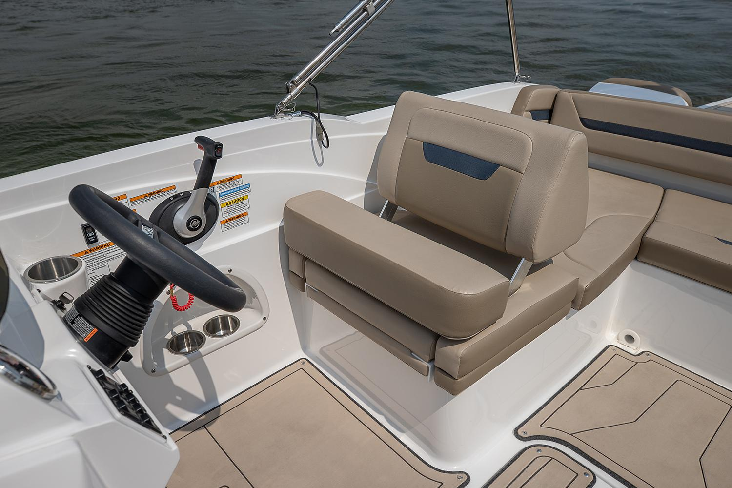 2021 Hurricane SunDeck Sport 205 IO in Kenner, Louisiana - Photo 7