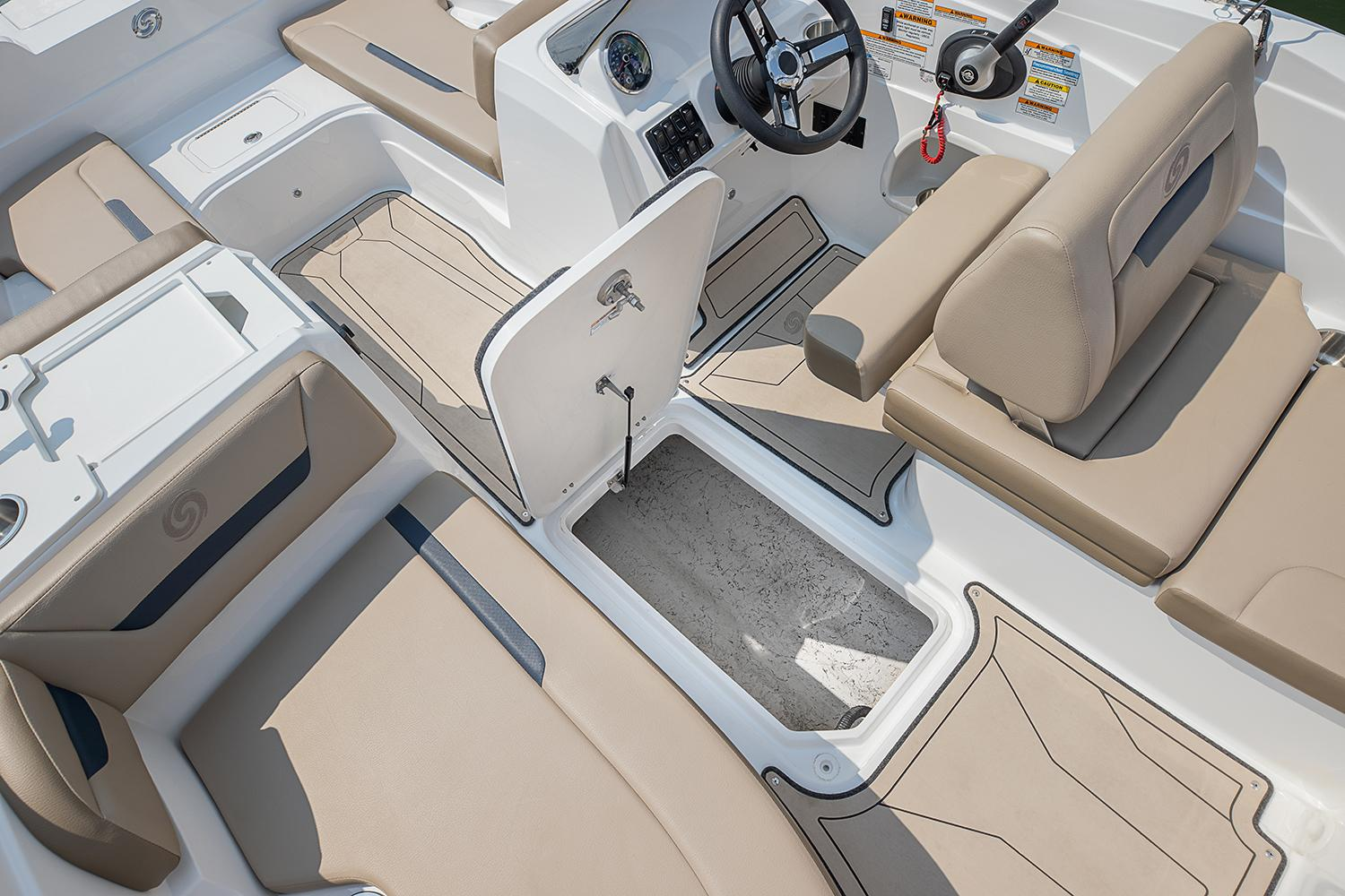2021 Hurricane SunDeck Sport 205 IO in Kenner, Louisiana - Photo 8
