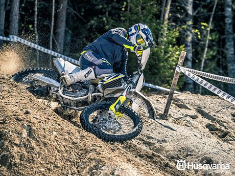 2018 Husqvarna FX 450 in Costa Mesa, California - Photo 9
