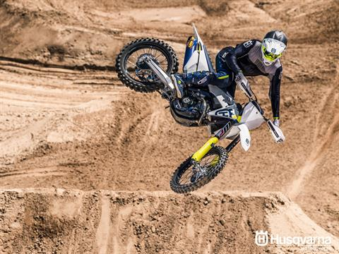 2019 Husqvarna FC 350 in Land O Lakes, Wisconsin - Photo 9