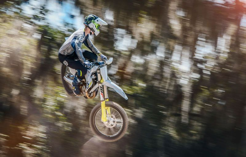 2019 Husqvarna FC 350 in Land O Lakes, Wisconsin - Photo 19