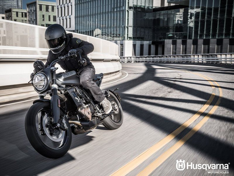 2019 Husqvarna Svartpilen 701 in Hialeah, Florida - Photo 4
