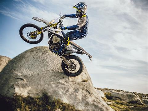 2021 Husqvarna FE 350 in Castaic, California - Photo 4