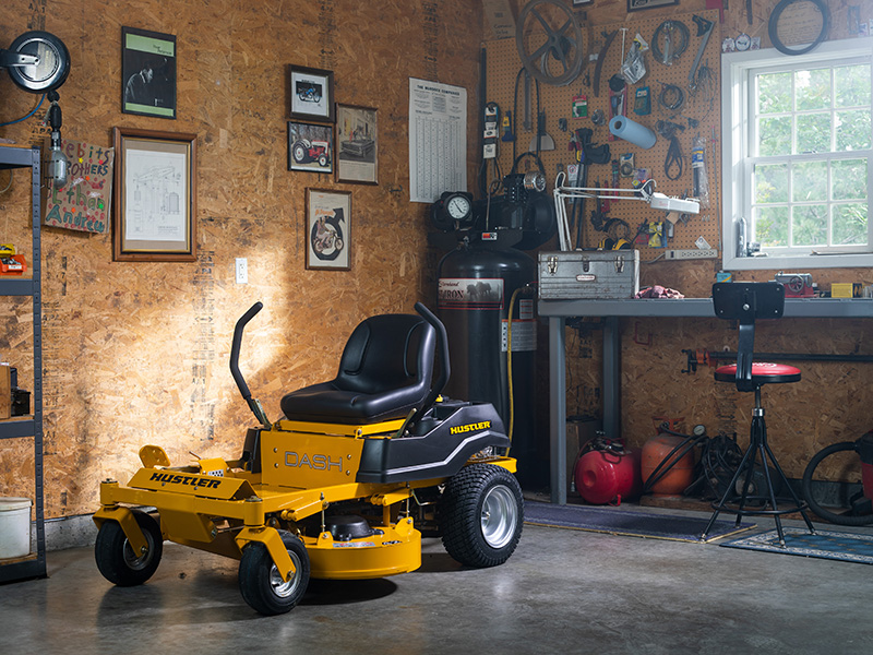 2021 Hustler Turf Equipment Dash 34 in. Briggs & Stratton Powerbuilt 10.5 hp in Jackson, Missouri - Photo 9