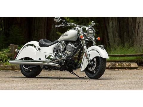 2017 Indian Chief® Classic in Racine, Wisconsin