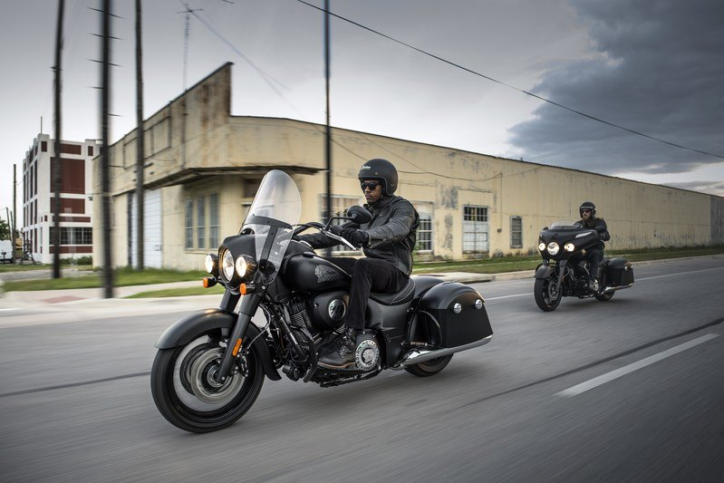 2018 Indian Springfield™ Dark Horse in Racine, Wisconsin