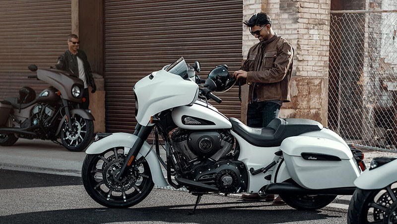2019 Indian Chieftain® Dark Horse® ABS in Racine, Wisconsin - Photo 2
