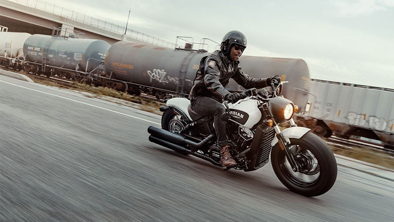 2019 Indian Scout® Bobber in Racine, Wisconsin - Photo 2