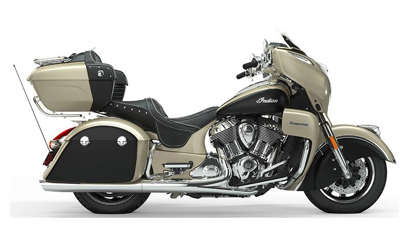 2019 Indian Roadmaster® Icon Series in Racine, Wisconsin - Photo 3