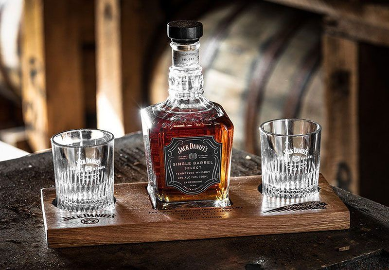 2020 Indian Jack Daniel's® Limited Edition Springfield® Dark Horse® in Saint Paul, Minnesota - Photo 2