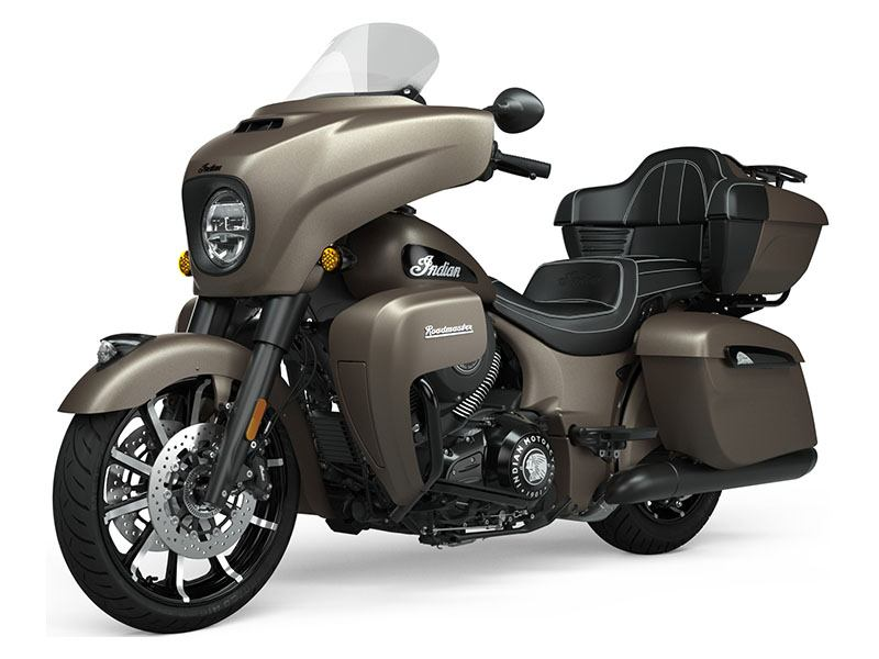 2021 Indian Roadmaster® Dark Horse® in Farmington, New York - Photo 2