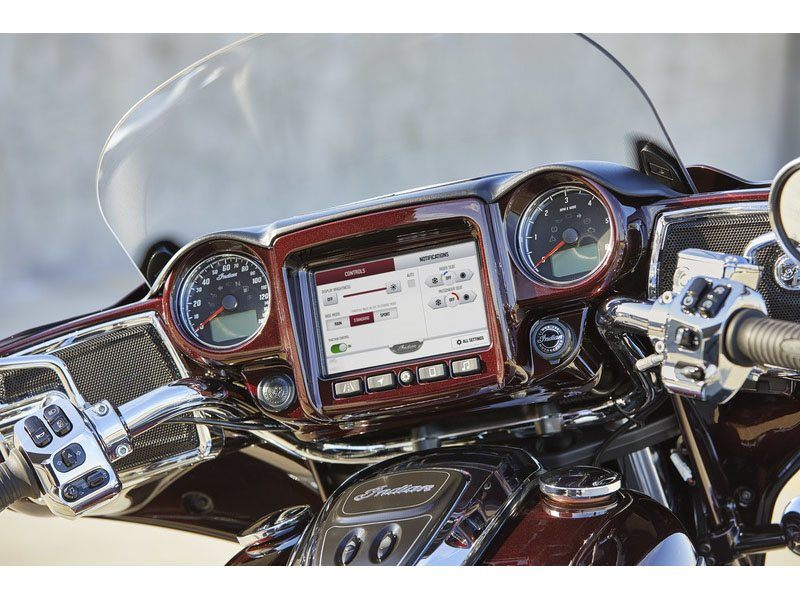 2021 Indian Roadmaster® Limited in Saint Clairsville, Ohio - Photo 9