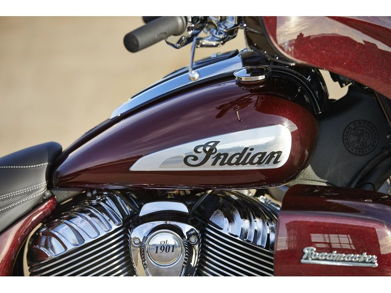 2021 Indian Roadmaster® Limited in Farmington, New York - Photo 10