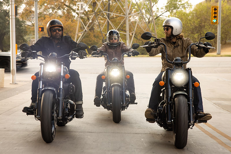 2022 Indian Chief Bobber Dark Horse® in Fort Worth, Texas - Photo 13