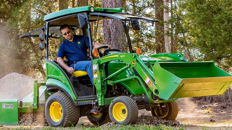 2019 John Deere 1025R in Sparks, Nevada - Photo 2