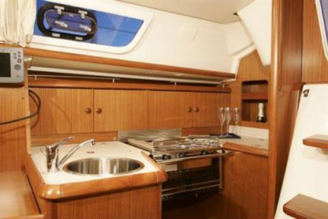 2007 Jeanneau Sun Odyssey 32i in Memphis, Tennessee - Photo 8