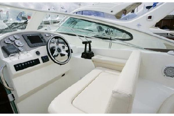 2009 Jeanneau Prestige 30 in Memphis, Tennessee - Photo 5