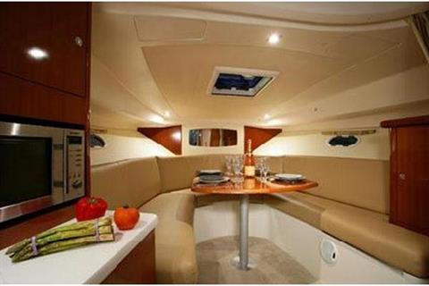 2009 Jeanneau Prestige 30 in Memphis, Tennessee - Photo 6
