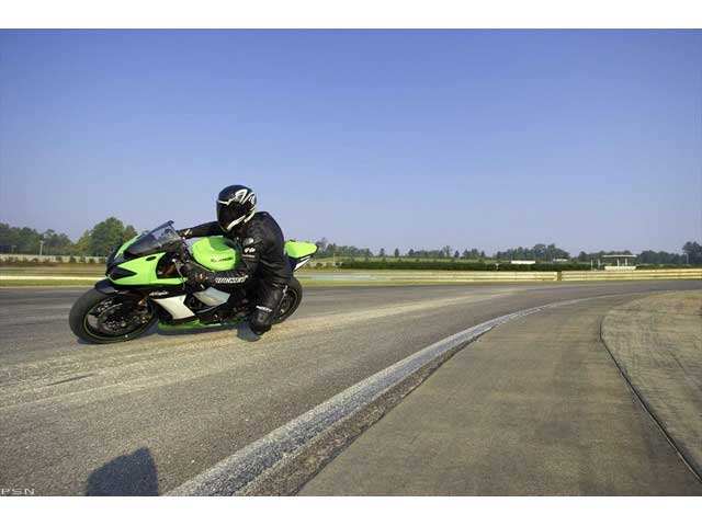 2009 Kawasaki Ninja® ZX™-10R in Oakdale, New York - Photo 7